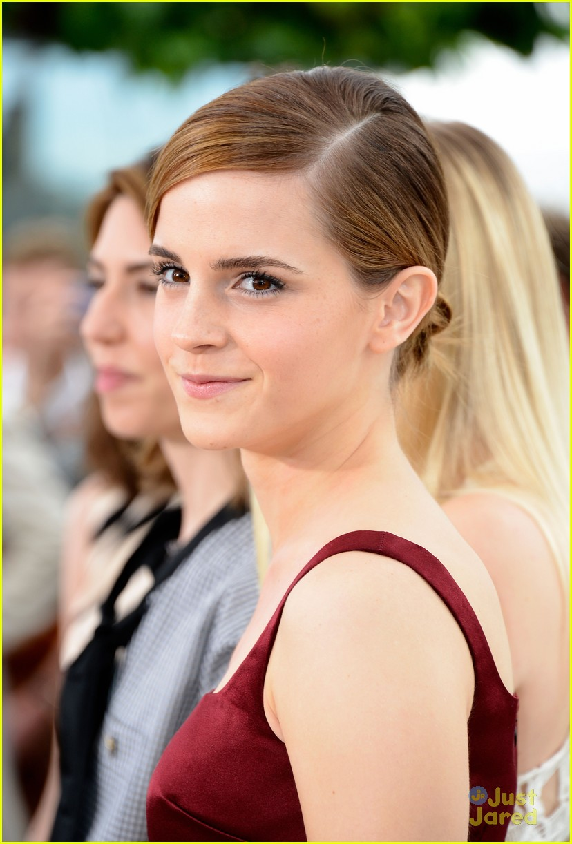 emma watson bling ring photo call cannes 21