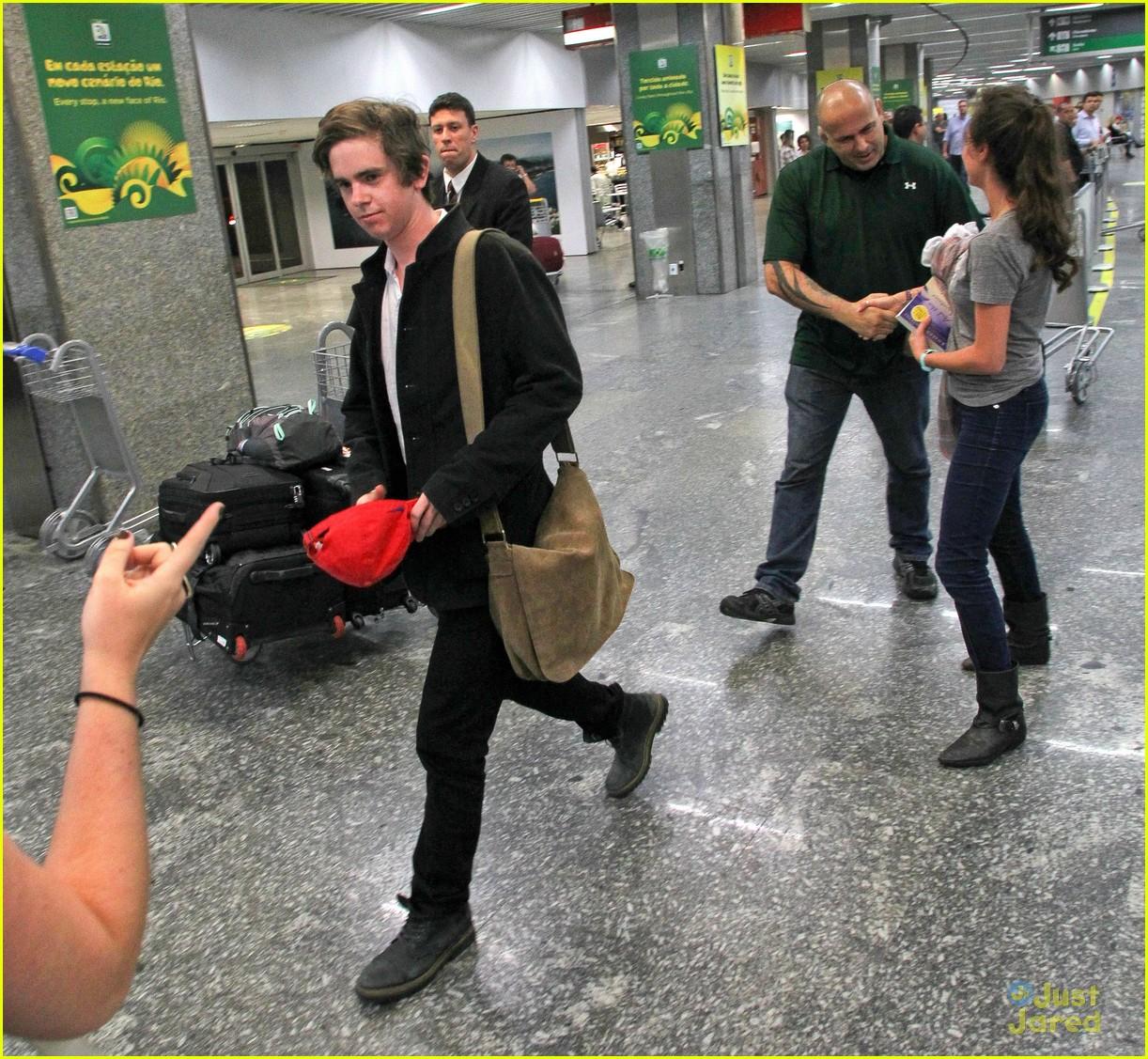 Freddie Highmore Visits South America! | Photo 570576 ...