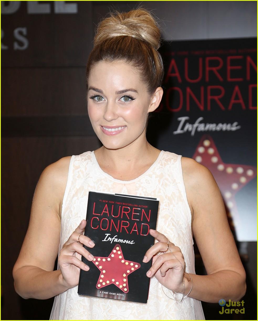 lauren conrad infamous book signing 04