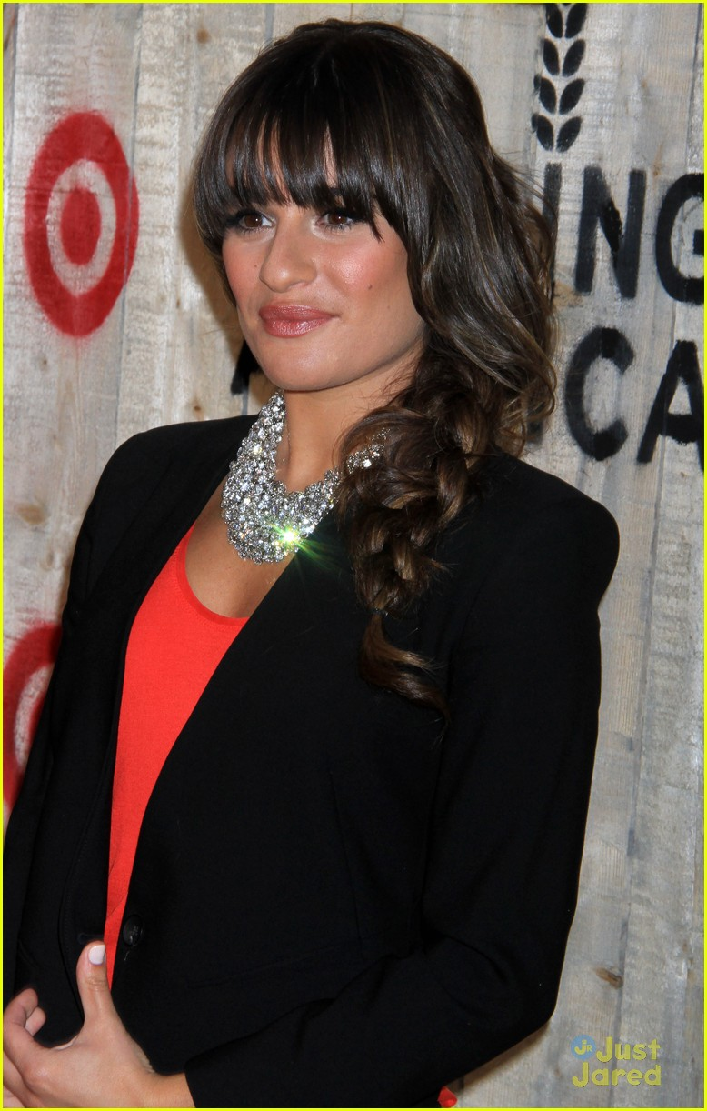 lea michele feed usa target vip event hostess photo 570532 lea michele feed usa target vip event hostess photo 570532 photo gallery just jared jr