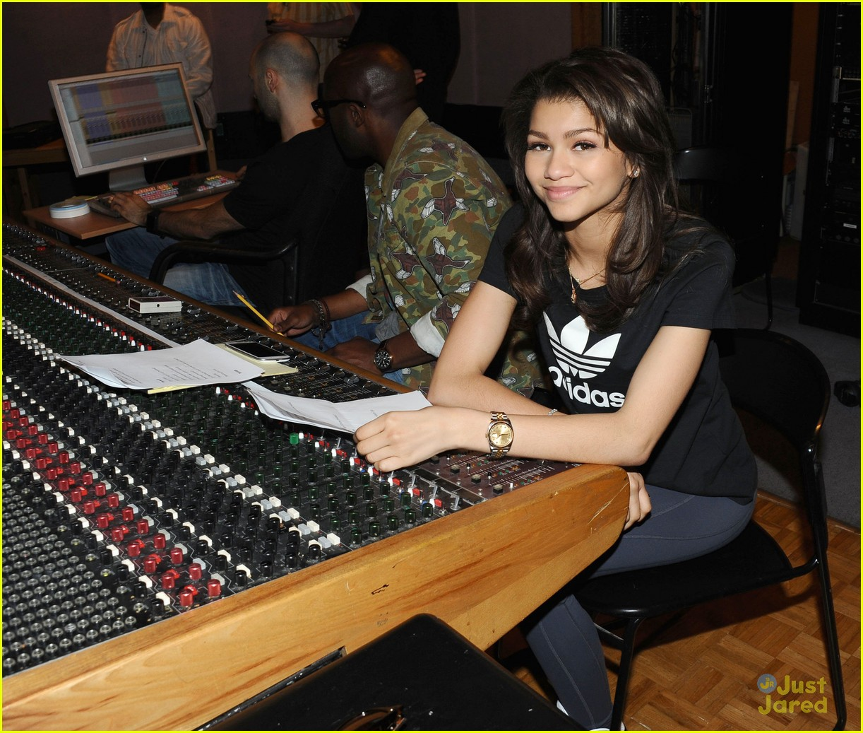 zendaya replay recording pics 10