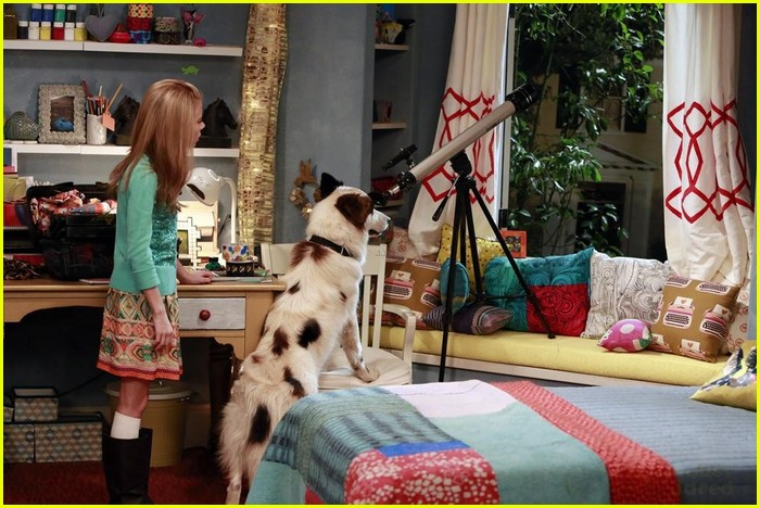 Hannelius is President on 'Dog With A Blog'!