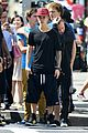 Jb-shirtless justin bieber shirtless shopping in nyc 04