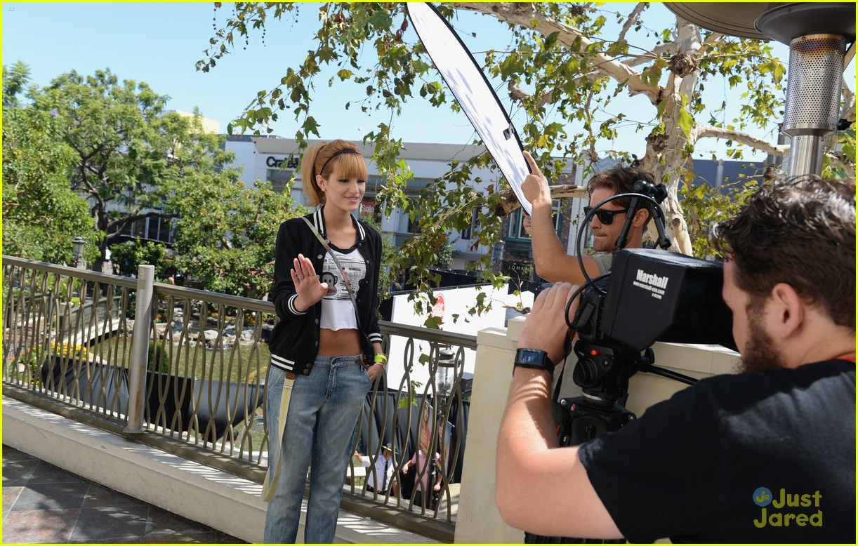 bella thorne maude apatow tv bts event 01