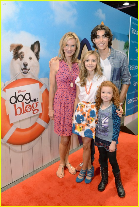 G Hannelius: 'Dog With A Blog' at D23 | Photo 587185 ...