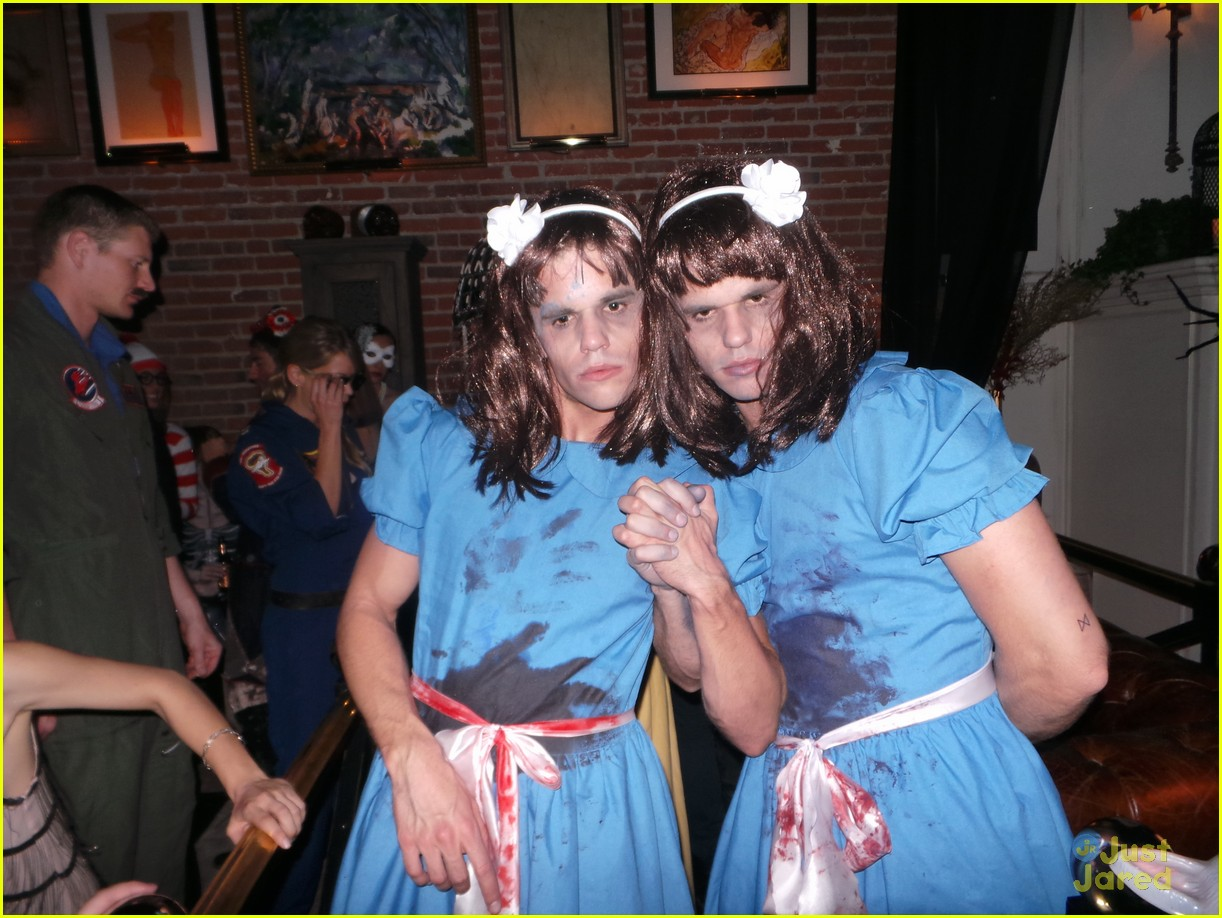chord overstreet chris colfer matt morrisons halloween party 01