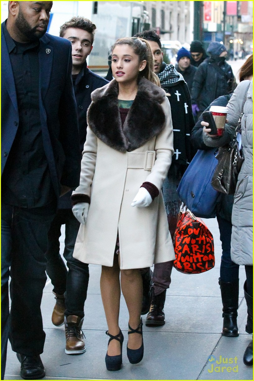 ariana grande nathan sykes bundle up in nyc 07