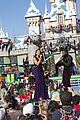 Jordin-parade jason derulo jordin sparks baby its cold outside disney christmas parade watch 01