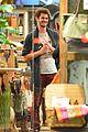 Andrew-laura andrew garfield laura dern hang batkid disneyland 04