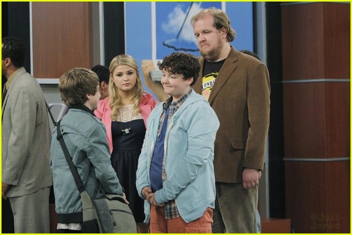 ant farm series finale stills 25