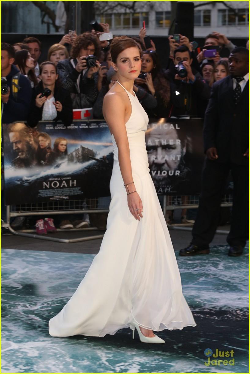 emma watson leg noah london douglas booth 03Douglas Booth And Emma Watson Noah
