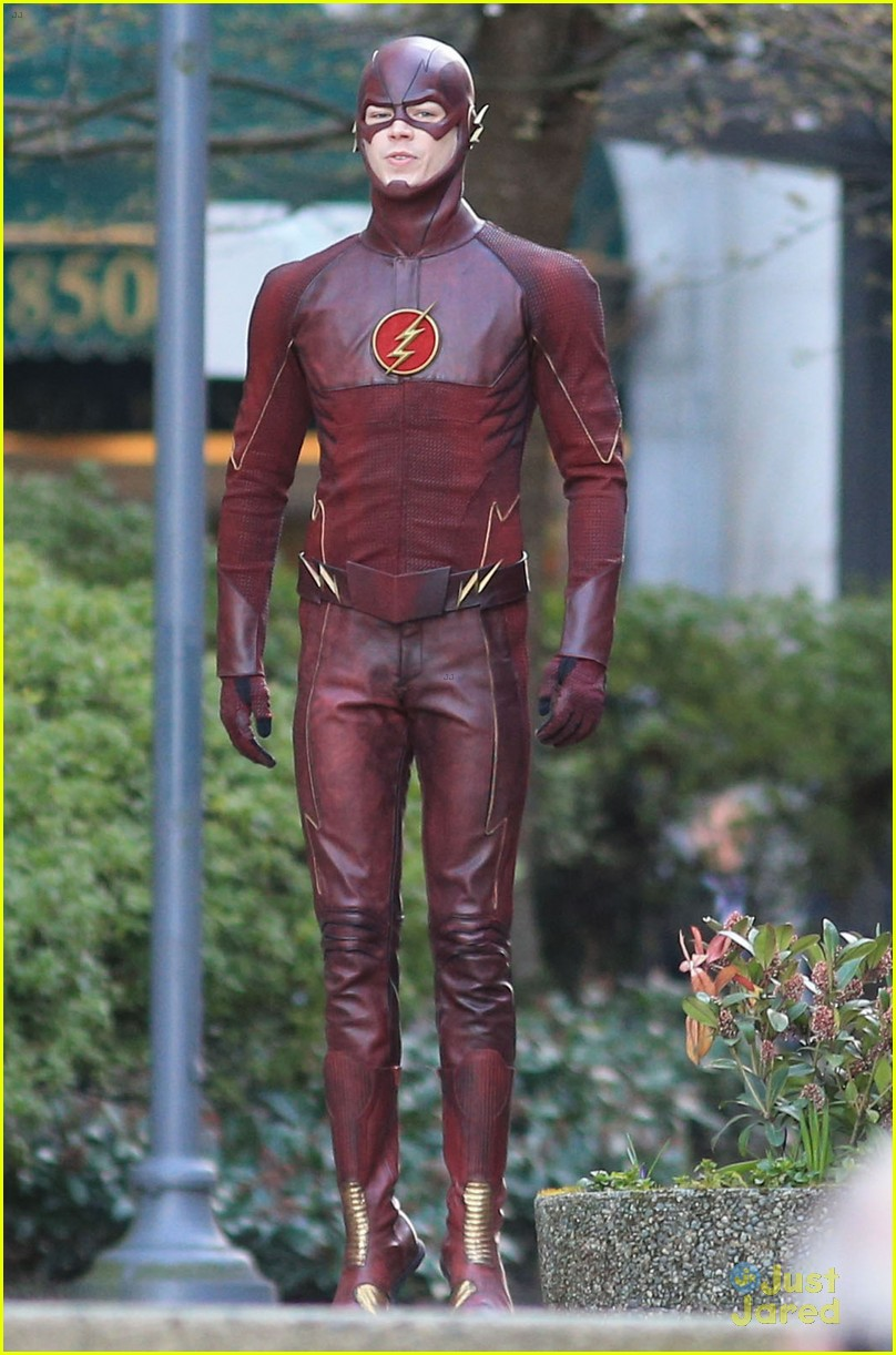 grant gustin filming the flash costume first look 06