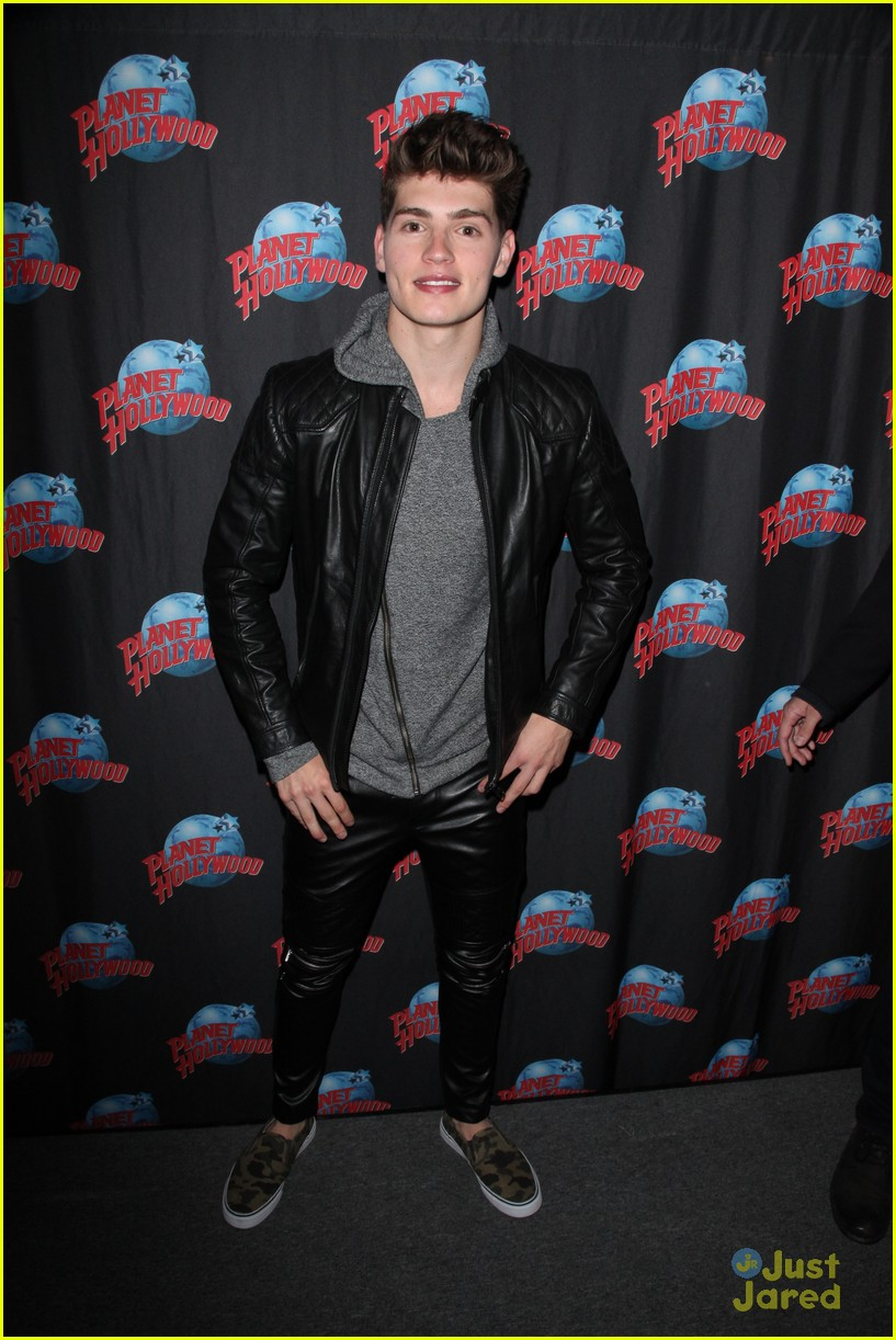 gregg sulkin planet hollywood stop 01
