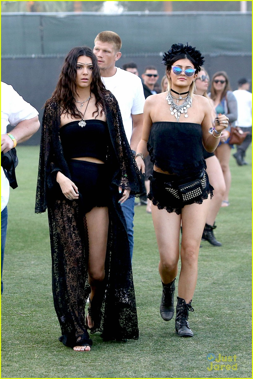 Kendall u0026 Kylie Jenner Color Coordinate Their Coachella Clothes! | Photo 662762 - Photo Gallery ...