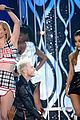 Ariana-bbma ariana grande iggy azalea problem billboard music awards 2014 04