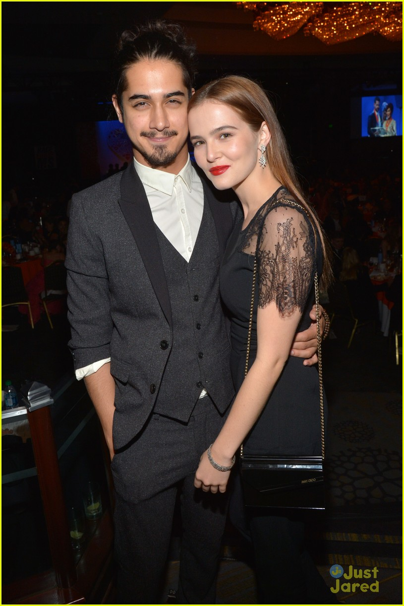 avan and zoey dating