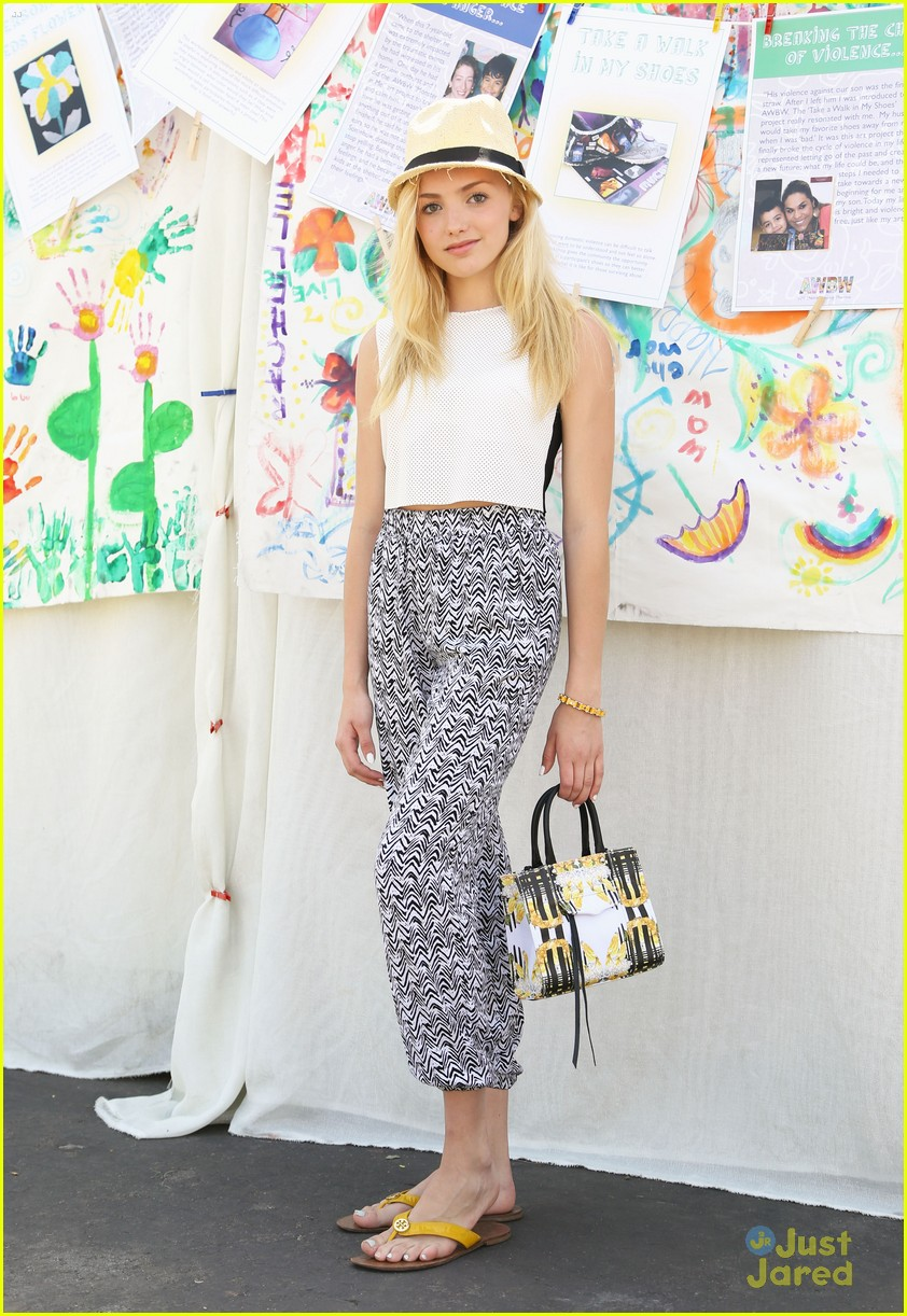G Hannelius Hosts  Art In The  G Hannelius Age 2014