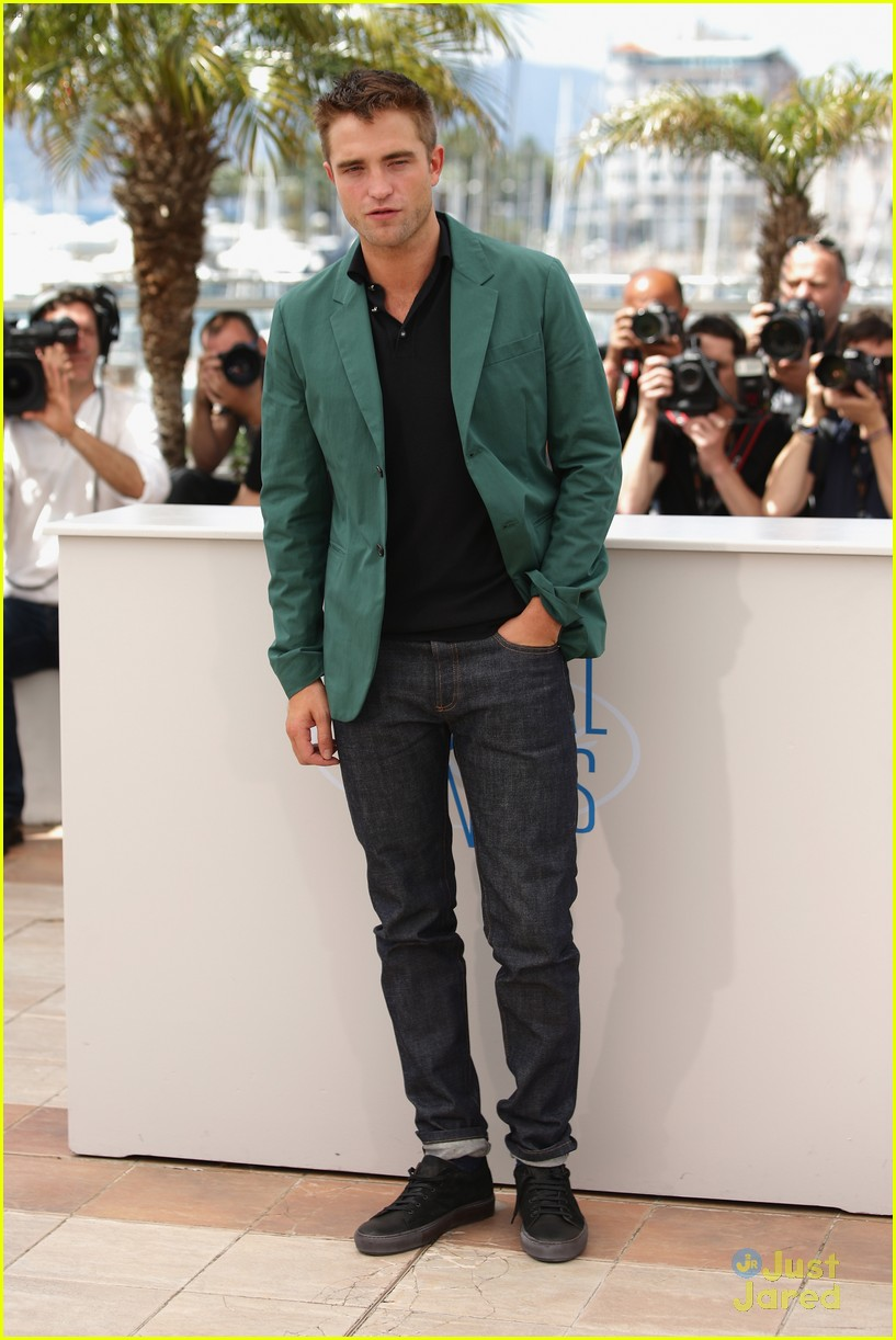 robert pattinson the rover photo call cannes 02
