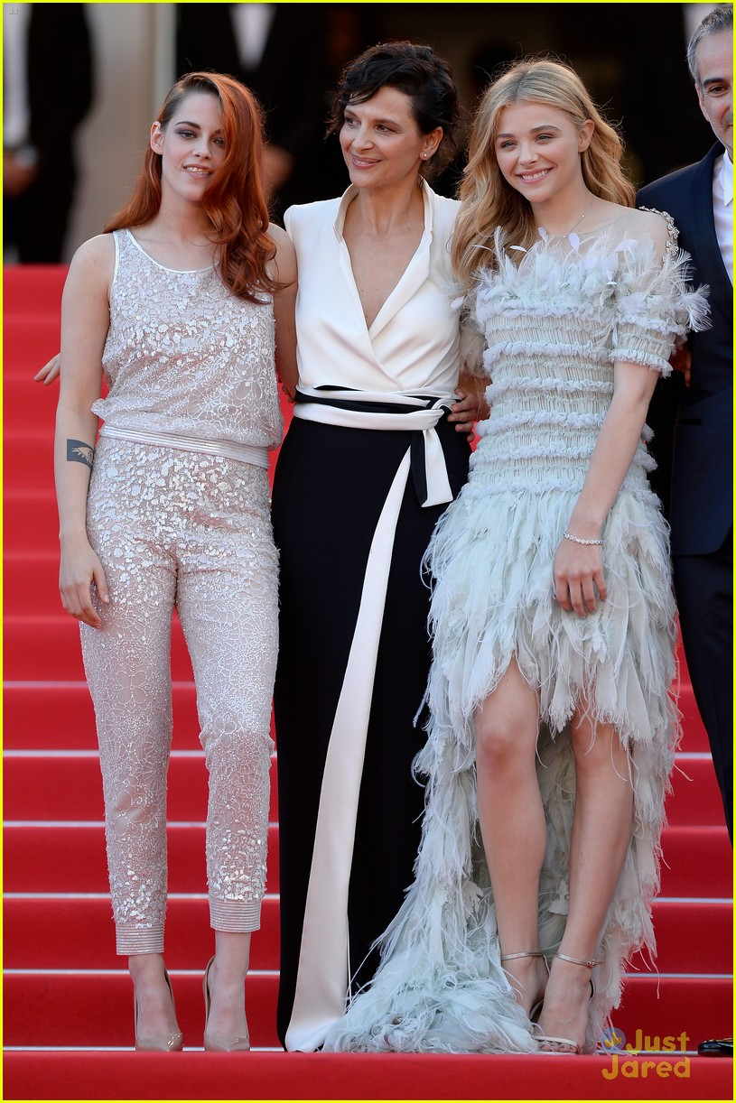kristen stewart chloe moretz are chanel chic at cannes sils maria premiere 2014 01