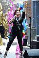 Lovato-rdcvideo demi lovato really dont care music video shoot la pride parade 05