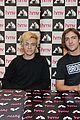 R5-manchester r5 ellington ratliff lost voice album signing 21