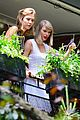 Taylor-garden taylor swift plants in her garden with karlie kloss 02
