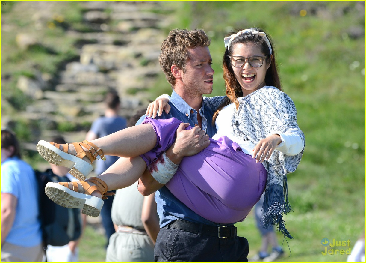 Phoebe Tonkin Wears an Arm Sling While Filming 'Take Down' in Wales ...