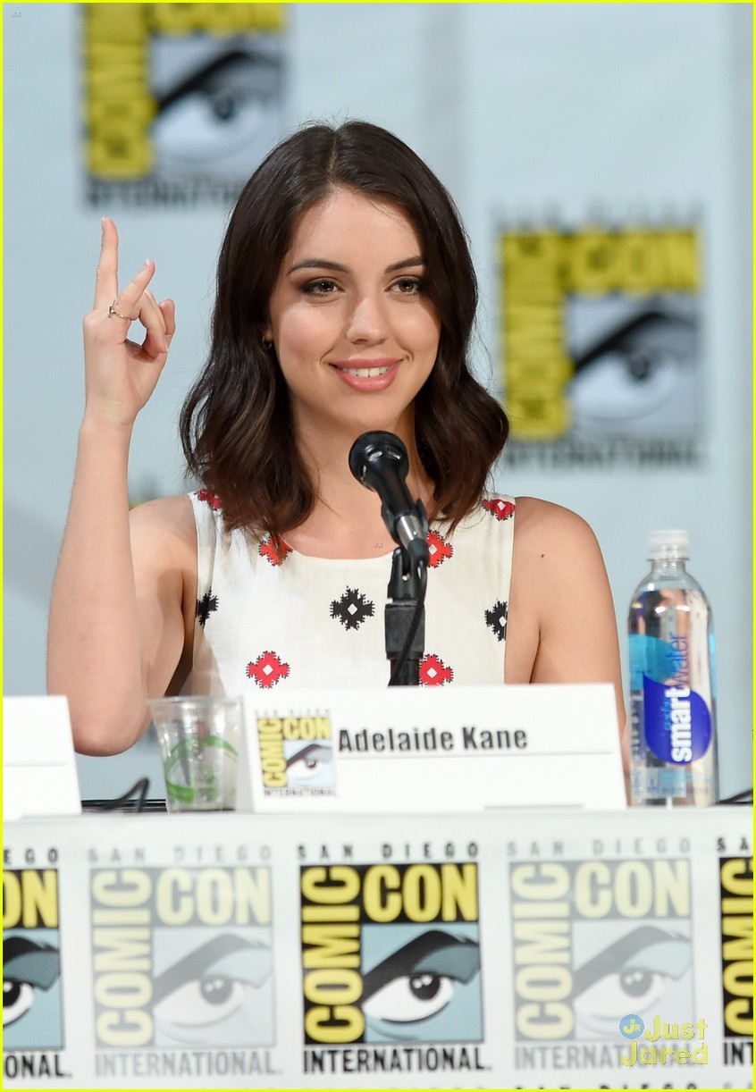 Reign cw adelaide kane toby regbo beautiful scenery photography