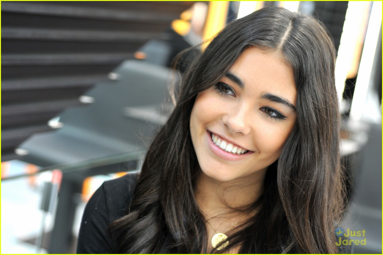 madison beer mac store appearance orlando 04