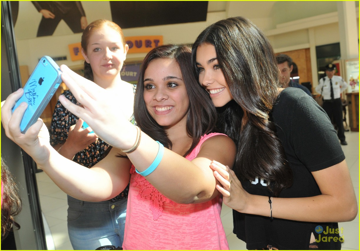 madison beer mac store appearance orlando 11