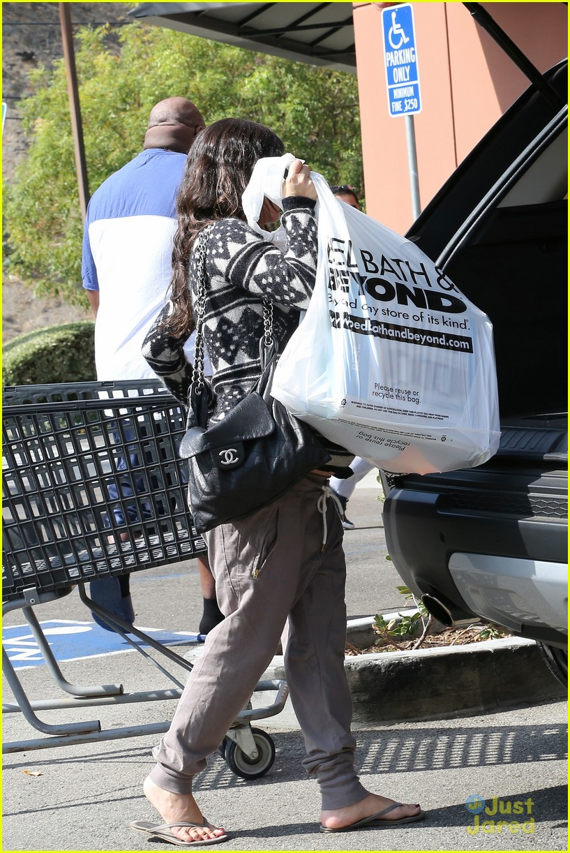 Baby bed and beyond - Rachel Bilson Bed Bath Beyond Before Baby Birth 25