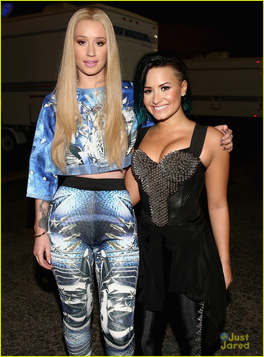 who is demi lovato dating now 2014 Demi lovato is an unmarried woman till now she is currently dating guilherme vasconcelos she began dating guilherme at the start of 2017 previously, she has been in relationships with wilmer.