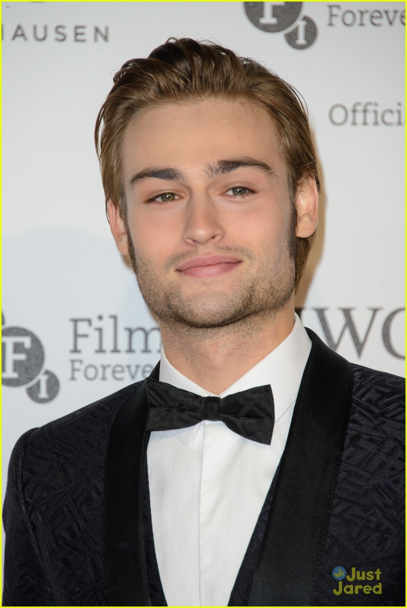 douglas booth natalie dormer stick to black tie at iwc gala 02