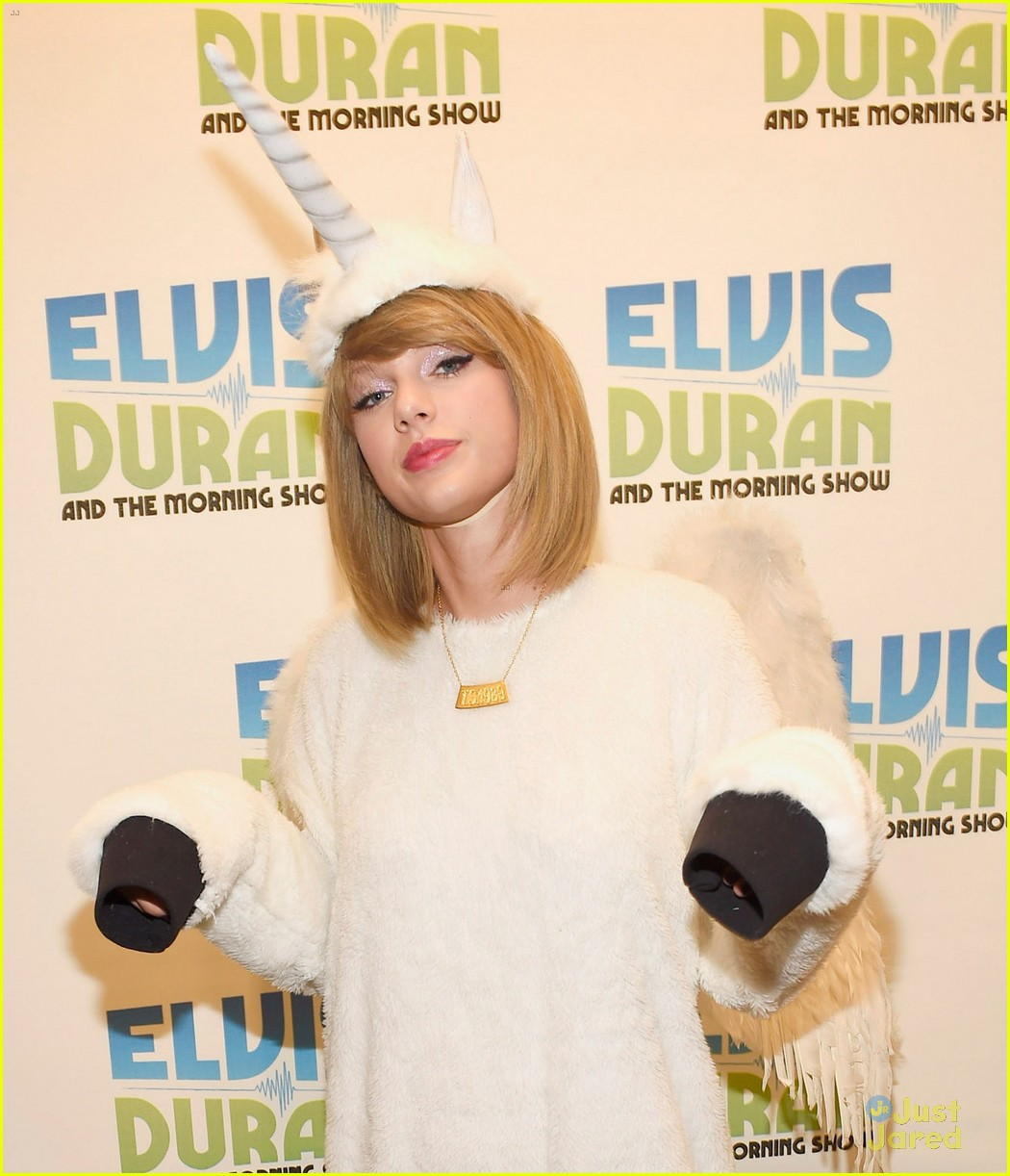 taylor swift becomes a pegacorn on halloween photo 736891 photo gallery just jared jr - What Was Taylor Swift For Halloween