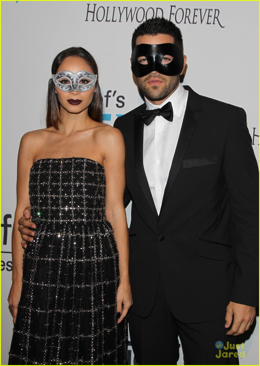 Dress up for masquerade party - Nikki Reed Unicef Ball Halloween 01