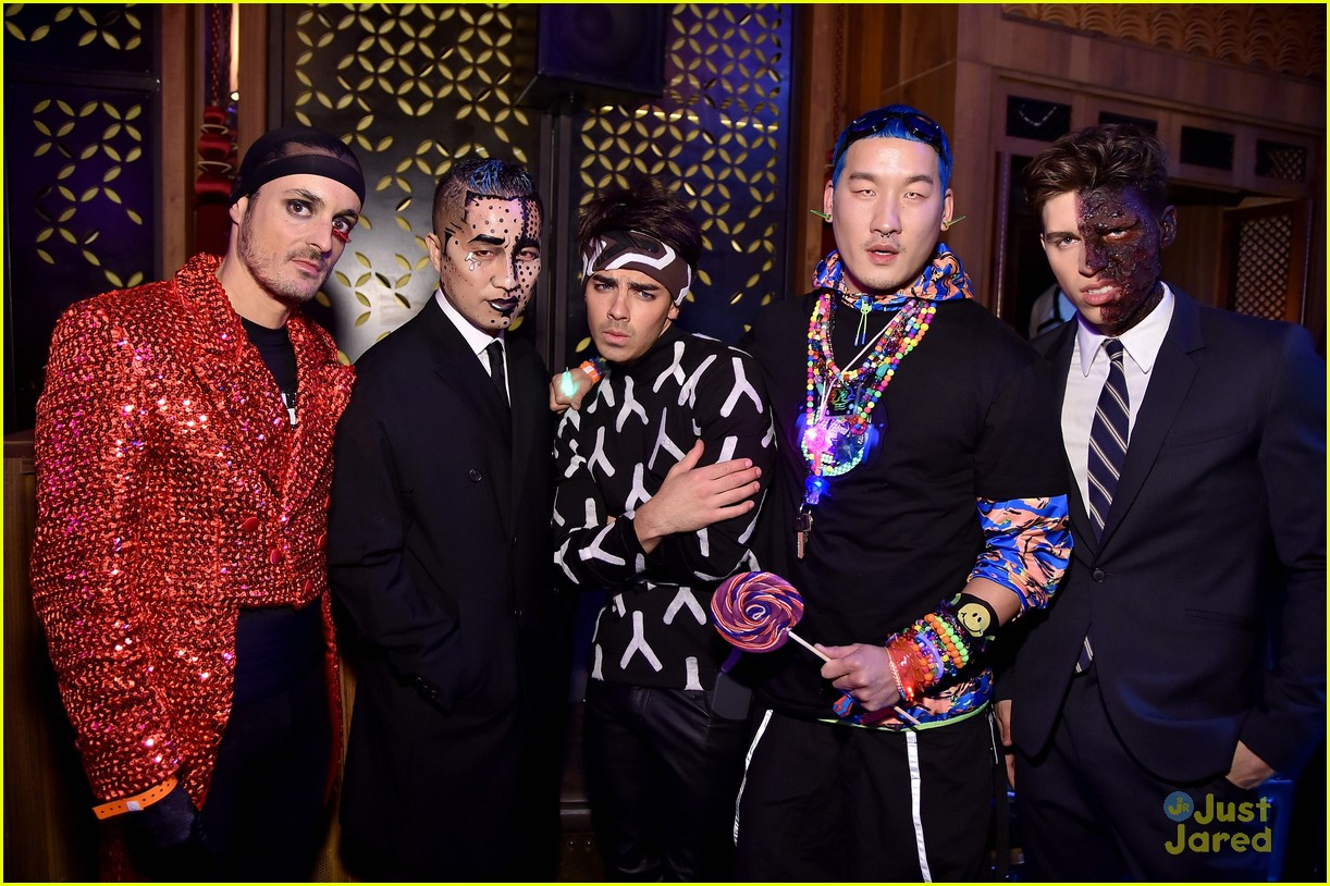joe jonas nails zoolander at heidi klums annual halloween party photo 737228 photo gallery just jared jr - Joe Jonas Halloween