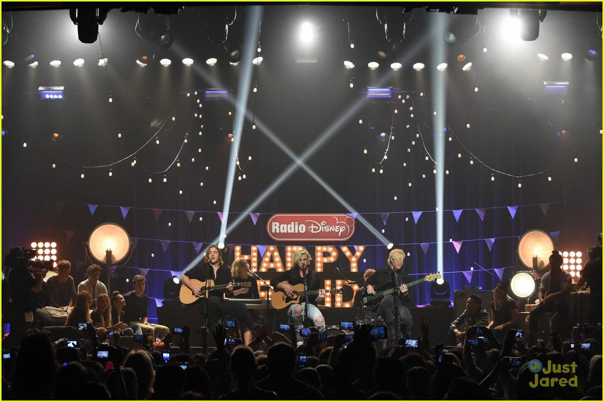 r5 radio disney birthday performance pics 16