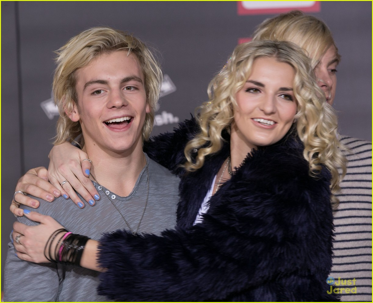 ross lynch new film big hero 6 premiere 02