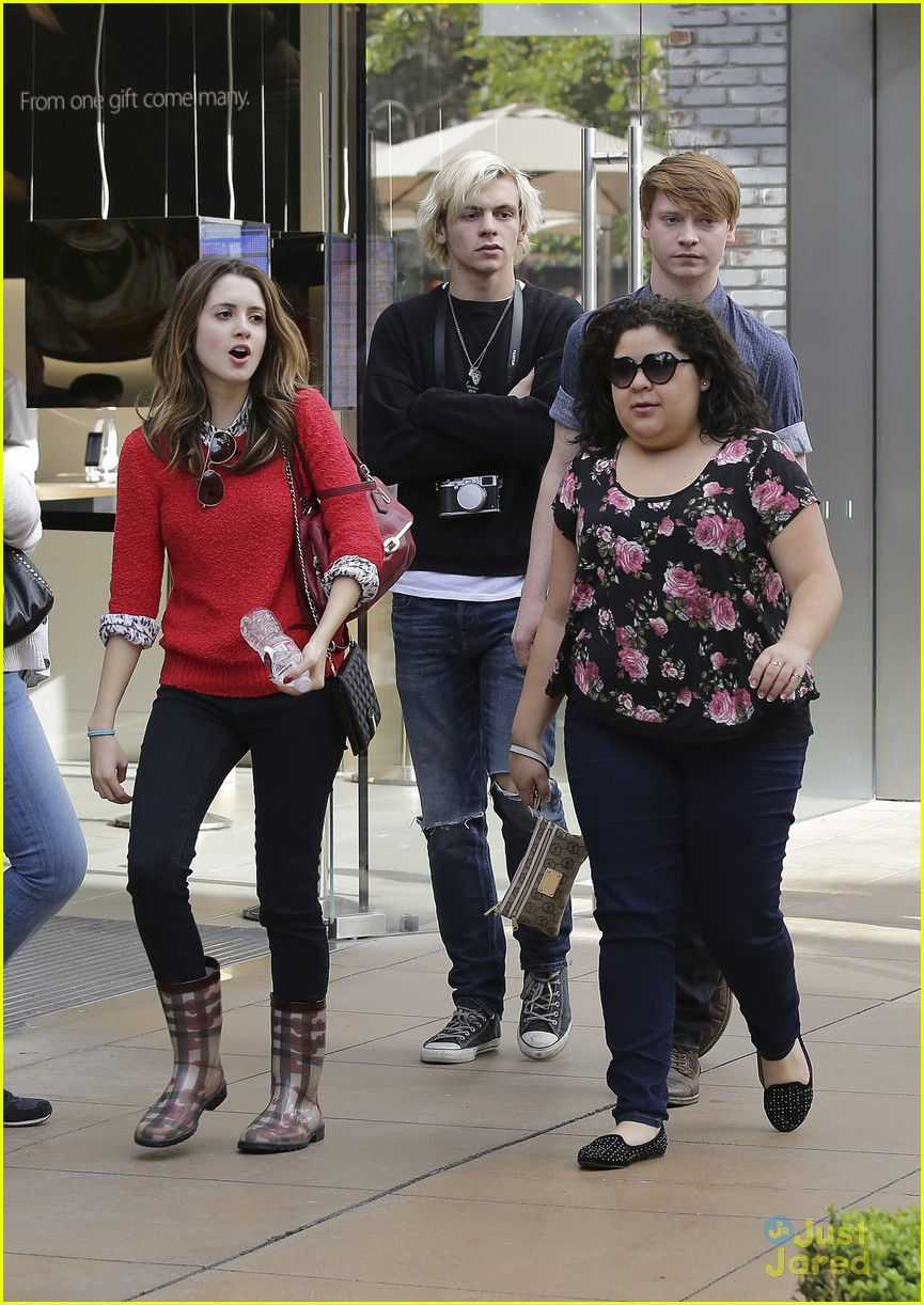 austin ally cast hang out at the grove 04