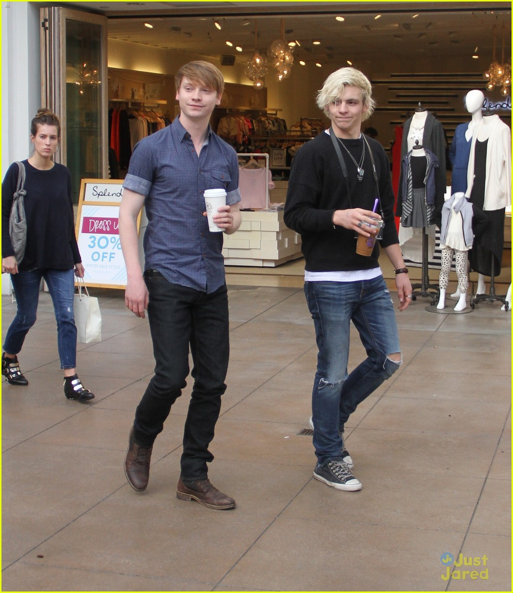 austin ally cast hang out at the grove 06