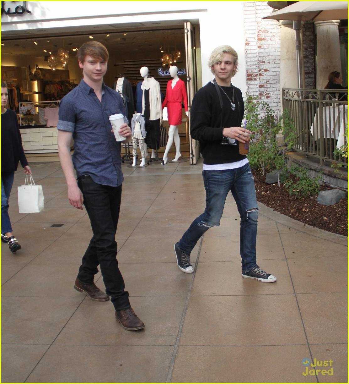 austin ally cast hang out at the grove 14