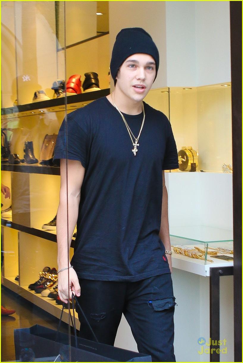 Austin Mahone Shoe Shopping