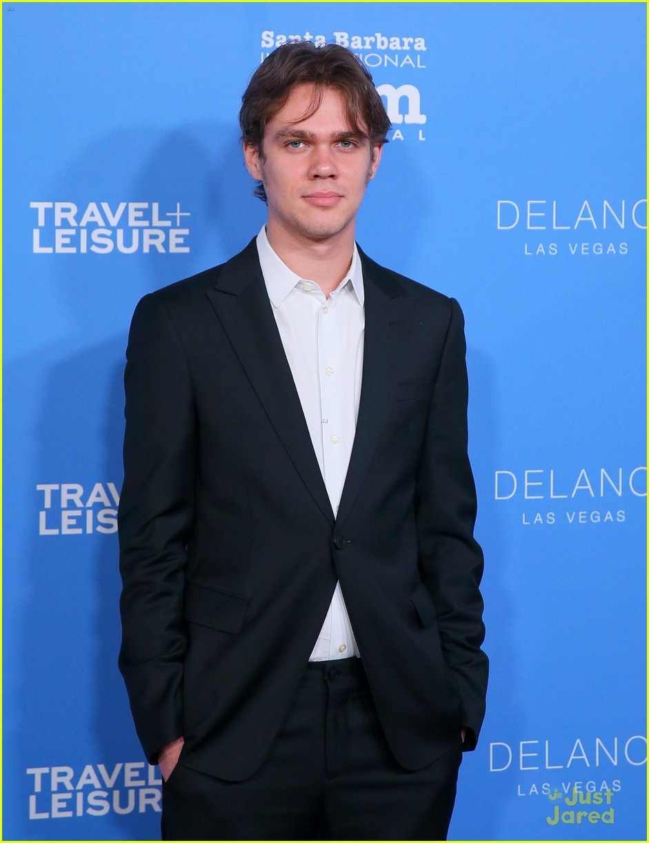 ellar coltrane and lorelei linklater