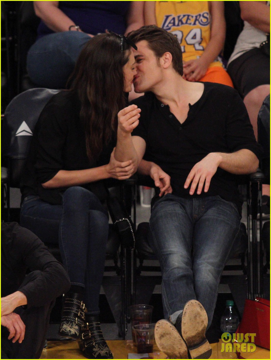 Paul Wesley & Phoebe Tonkin Look So In Love at the Lakers ...