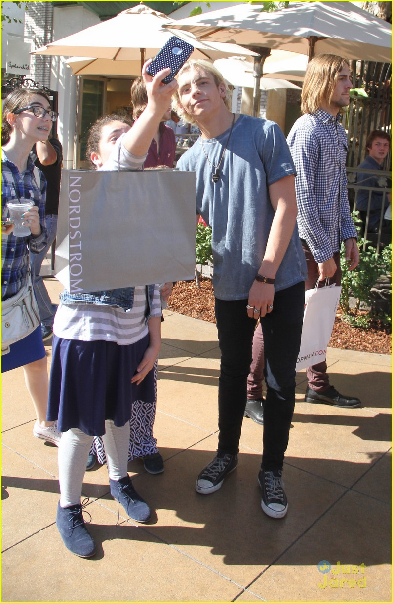 ross lynch rocky lynch grove fans 05