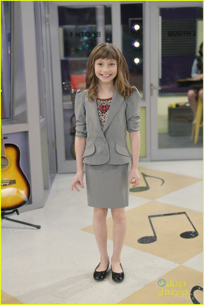 austin ally mini mes muffin baskets stills 18