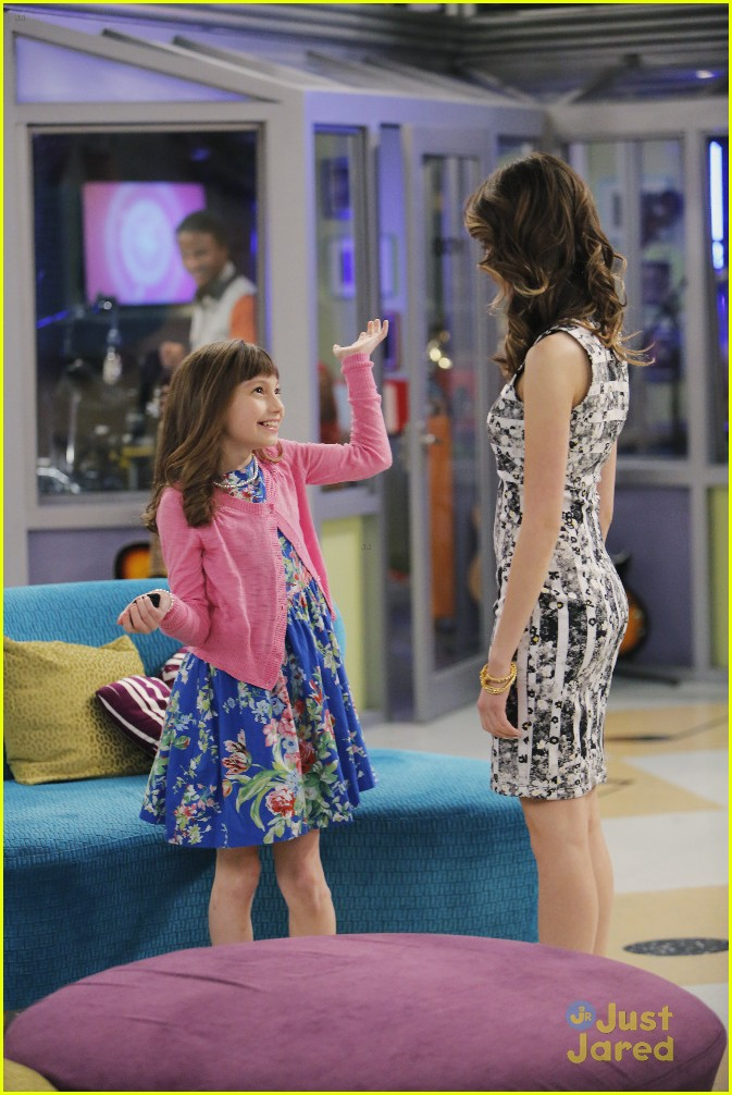 austin ally mini mes muffin baskets stills 20