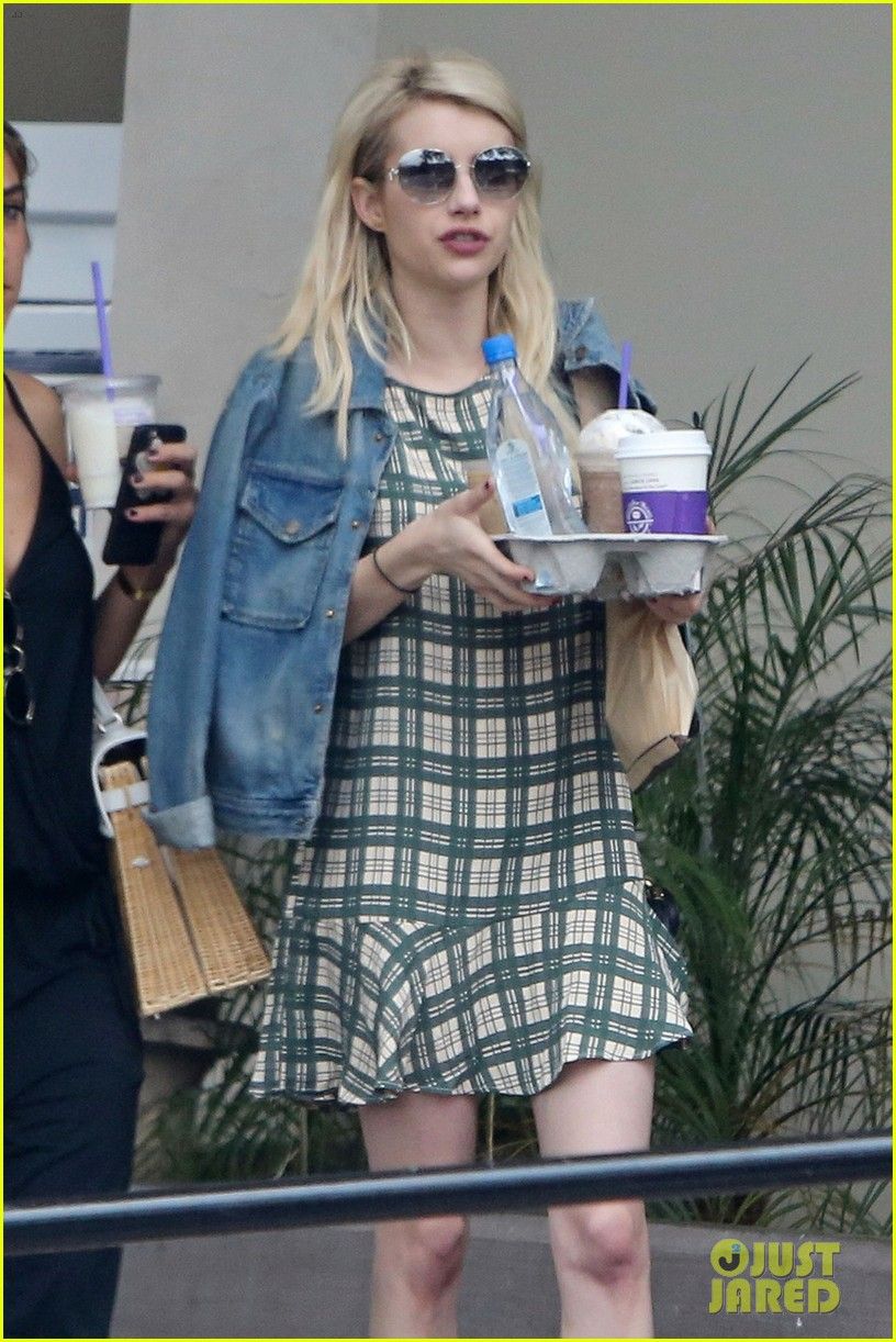 emma roberts coffee after ending engagement 02