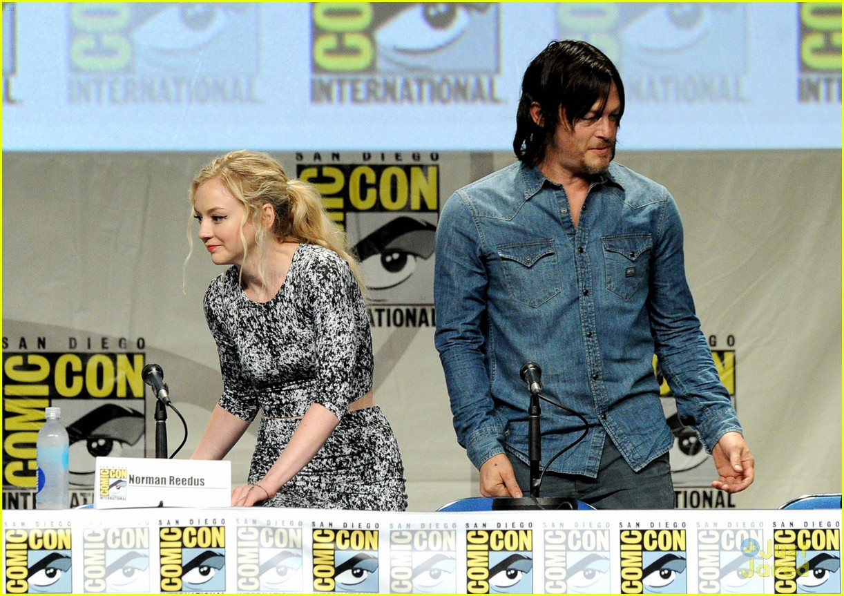 is are norman reedus and emily kinney dating