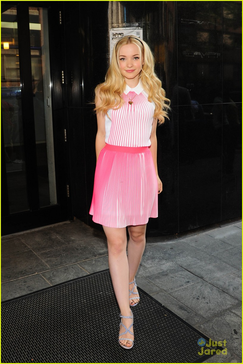 Dove cameron is positively tickled pink on 39 good day new for Dove soggiornare a new york